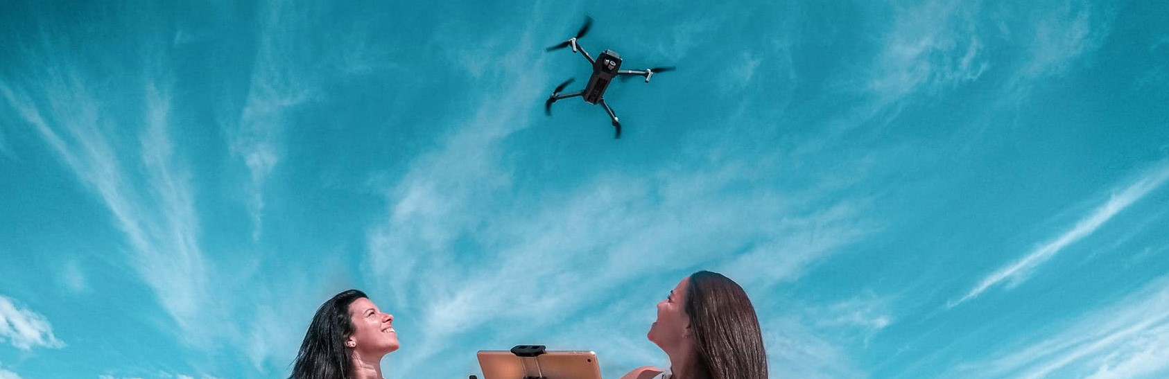 DRONES. LOS SALVAVIDAS DEL AIRE